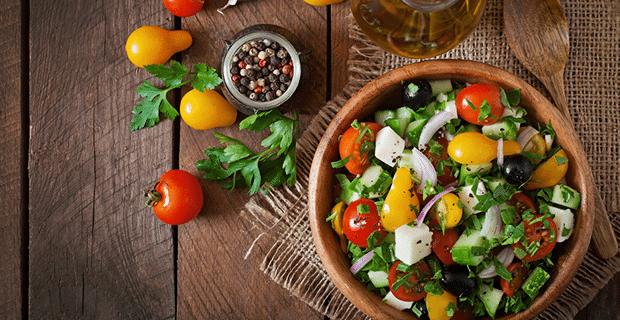 Sofralara Renk Katacak Salata Tarifleri