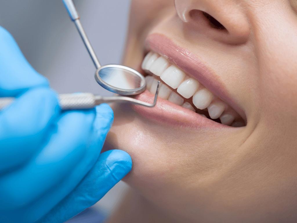 Menopoz Döneminde Diş Sağlığınız Tehlikede