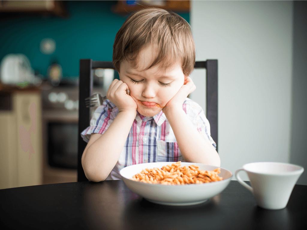 Yemek Yemek İstemiyorum Anne