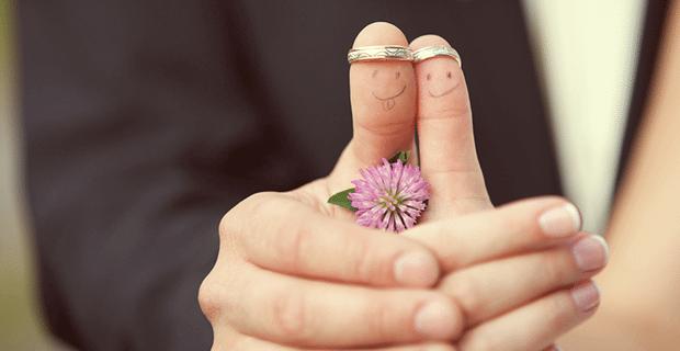 Söz Yüzüğü Ve Evlilik Yüzüğü Hangi Ele Takılır?
