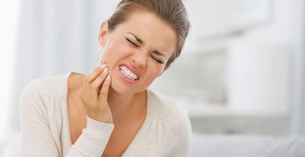 Aniden Bastıran Diş Ağrısına Çözüm Olacak Altın Öneriler