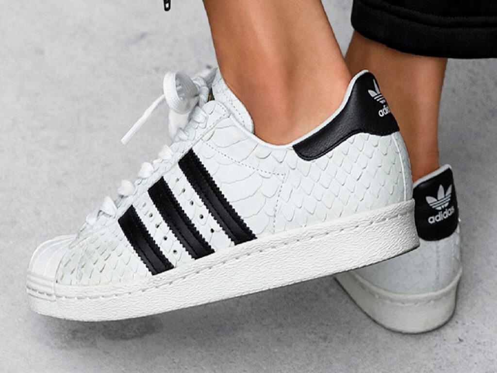 1 Adidas Superstar İle 5 Kombin