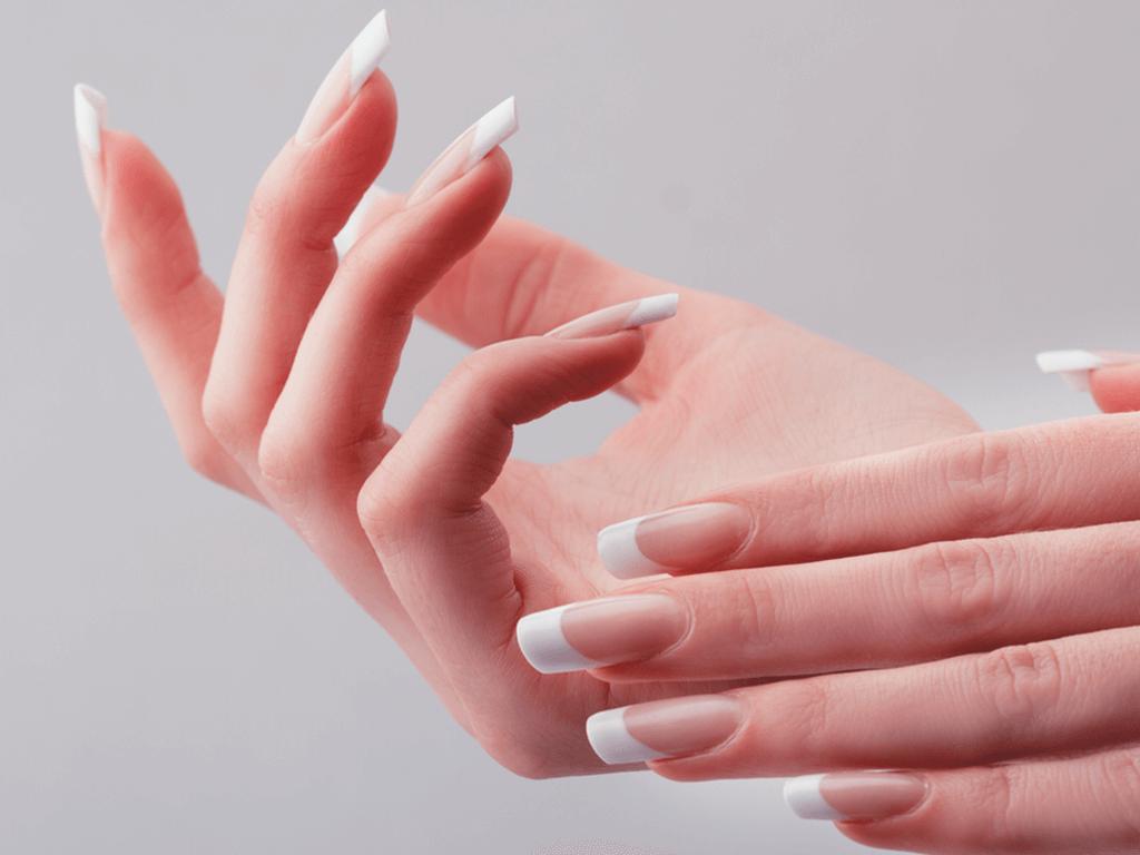 Protez Tırnaklar İle Gösterişli Ellere Sahip Olun