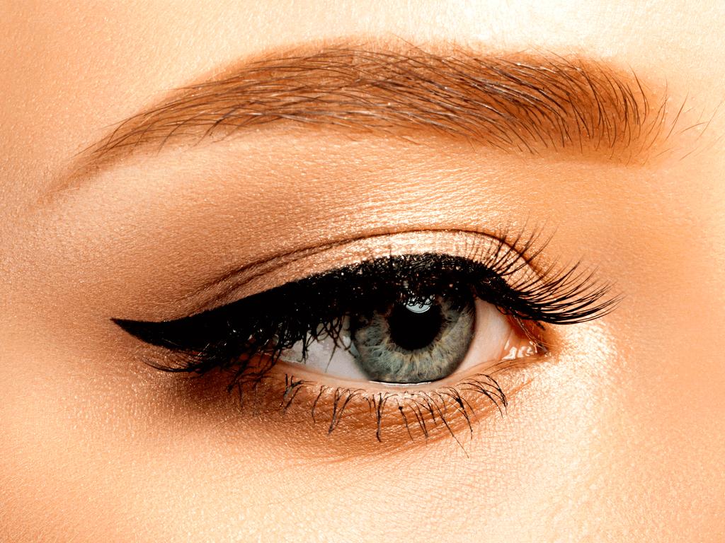 Kusursuz Bakışlar İçin Kolay Eyeliner Çekmenizi Sağlayacak 5 Adım