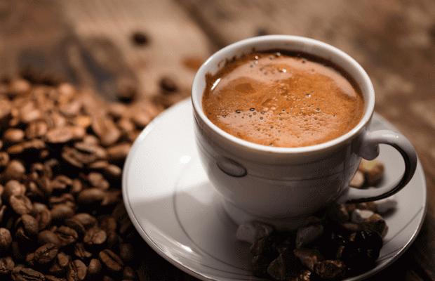 Küçük Bir Fincan Türk Kahvesi Zayıflamanıza Yardımcı Olabilir