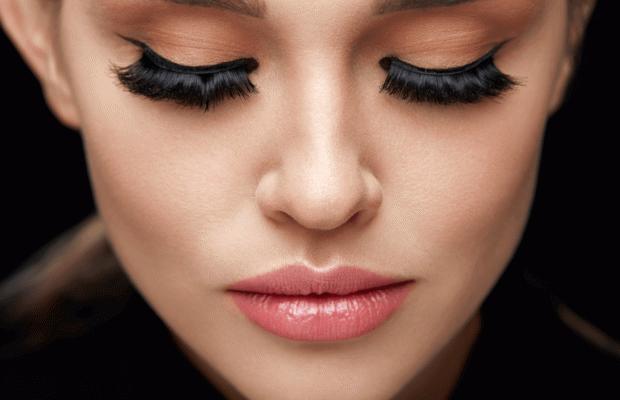 Çekici Gözlerin Sırrı Kirpik Botoksu
