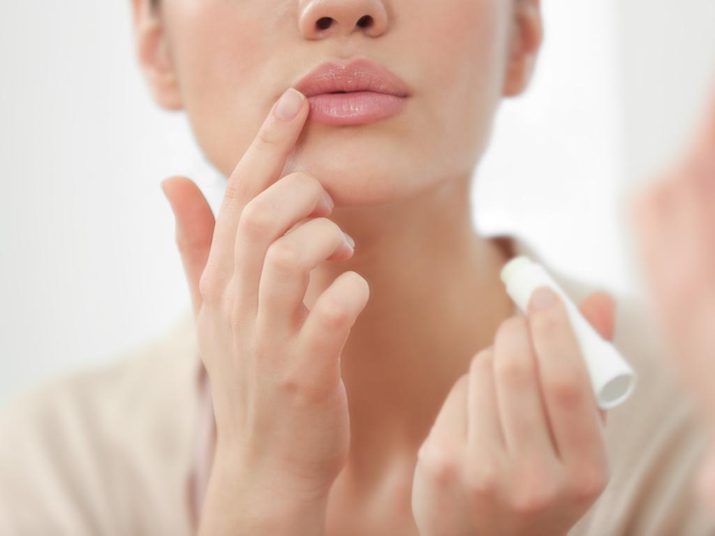 Sağlıklı dudaklar için 10 altın öneri