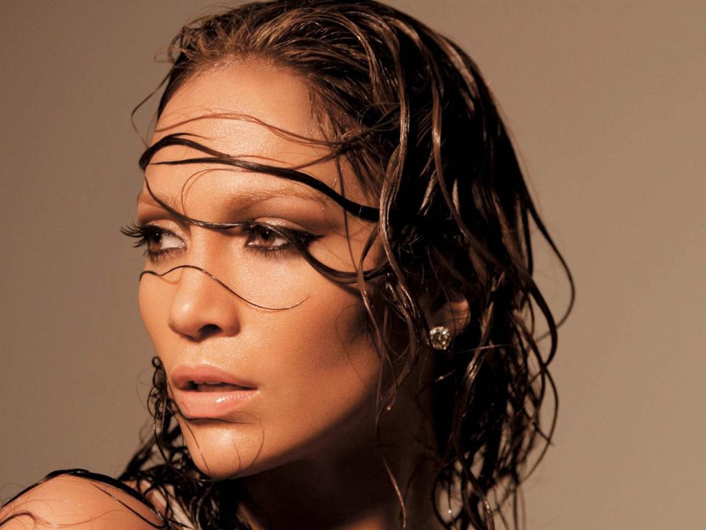 Islak saçların etkisi nasıl oluşturulur