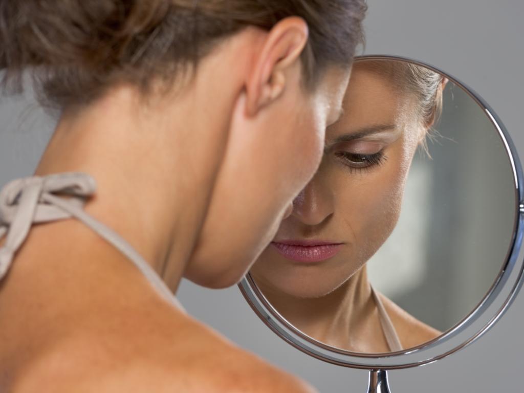 Ayna Ayna Söyle Bana Kimim Ben
