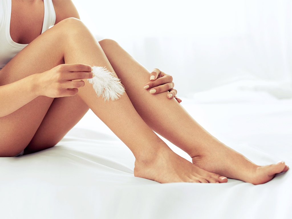 Pürüzsüz bacaklar için fondöten